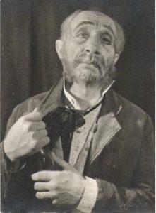 Менахем Гнесин в роли Мармеладова («Преступление и наказание»), 1942 г. Menachem Gnessin as Marmeladov (Crime and Punishment)